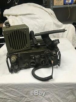 Army Radio AN PRC-25 Radio Military Vietnam Radio W MICR, SEPEAKER, BATT