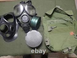 MEDIUM Gas Mask US Military Army protective