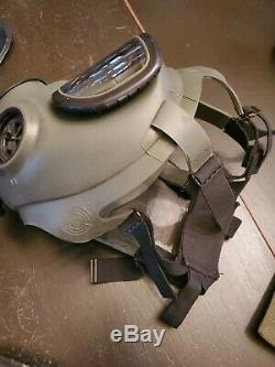 US MILITARY M40 GAS MASK MEDIUM with CARRYING CASE, C2 FILTER, USGI Army